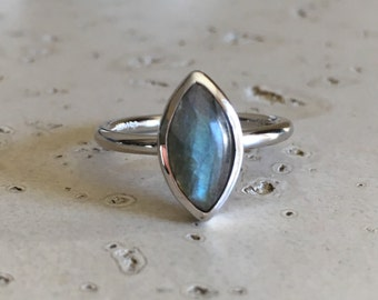 Smooth Marquise Labradorite Ring- Solitaire Silver Labradorite Ring- Simple Boho Gemstone Ring- Unique Stackable  Sterling Silver Ring