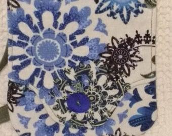 Snow Flowers Blue Petit Pocket