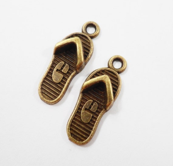 Bronze Sandal Charms 21x7mm Antique Brass Sandal Pendants, Thong Charms, Beach Charms, Shoe Charms, Summer Charms, Metal Charms, 10pcs