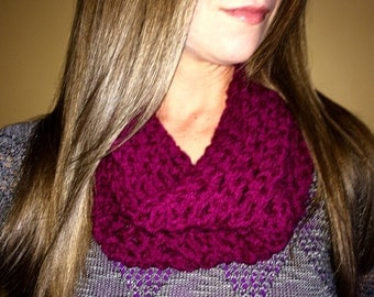 Crochet Twisted Cowl
