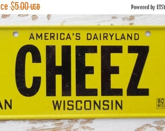 ON SALE Vintage, Wisconsin, 1980, Bike Plate, Bicycle, License Plate, Cereal Premium, Miniature, Tin, Collectibles