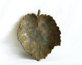 Woodland leaf vintage brass bowl, hand forged footed, ring dish, ashtray. Home decor, Vineyard. Metal sculpture, Handmade, wrought, Nature