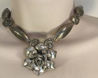 Sliver Flower Necklace
