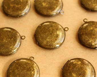 3 pc. Dark Antiqued Brass Round Lockets 25mm x 28mm | LOC-052
