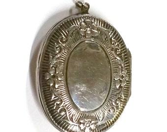 Vintage Sterling Silver Oval Locket Large Size