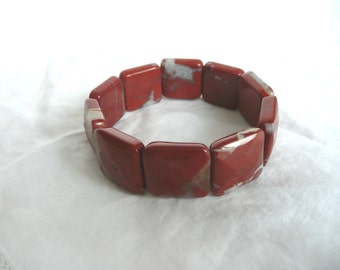 Vintage agate bracelet,  red agate cuff,  faceted agate bracelet, vintage agate stretch bracelet