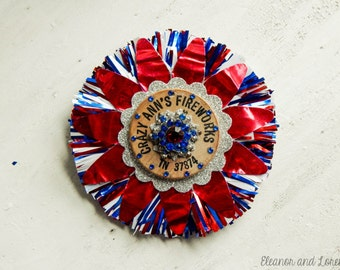 Kitschy 4th of July fireworks brooch / recycled brooch / patriotic jewelry / Americana brooch / vintage Americana / wooden nickel / upcycled