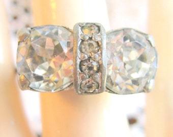 Highly Collectible early 1940's Rhinestone Paste ring by Eisenberg Ice - Oozing with Vintage Charm - Adjustable in Size - Currently 8 1/4