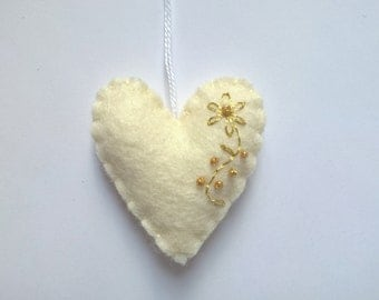 Heart ornament - felt ornaments - Valentine's day/Birthday/Christmas/Baby/Housewarming home decor