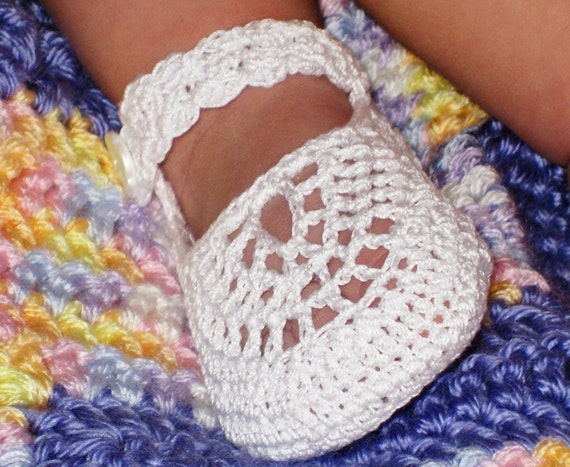 Crochet Pattern Mary Jane Booties for Baby Girl, PDF 12-004 INSTANT DOWNLOAD