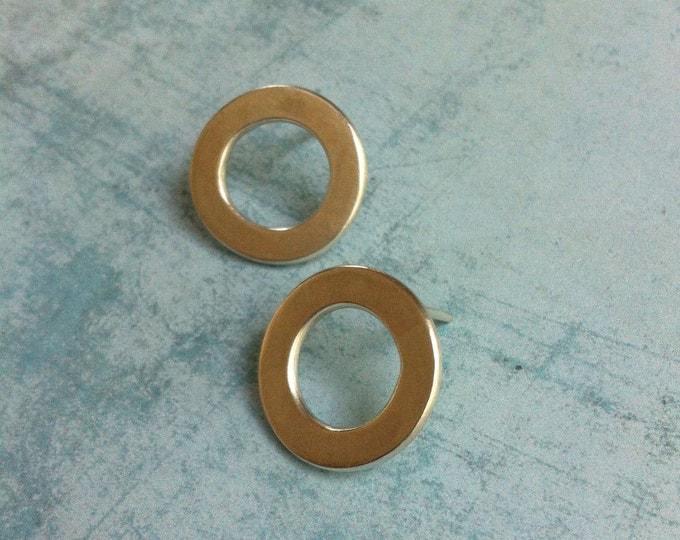 Open circle stud silver earrings - geometric earrings - minimalist jewellery - simple circle earrings -  day & night earrings - gift for her