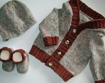 Brown multi cotton hoodie with matching hat and booties 0-3 months