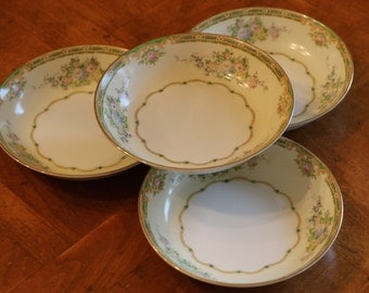 """Meito China (Japan) Hand-Painted Vintage China """"Calais"""" Pattern Set of Four Dessert, Fruit, Sauce or Berry Bowls"""