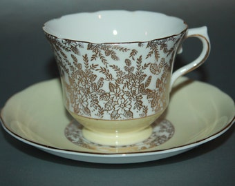 ROYAL VALE Bone China Teacup and Saucer Set.