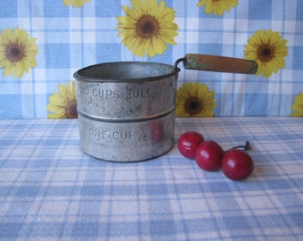 2 Cup Sifter - Aluminum - Wooden Handle - Hand Held - Vintage 1950's