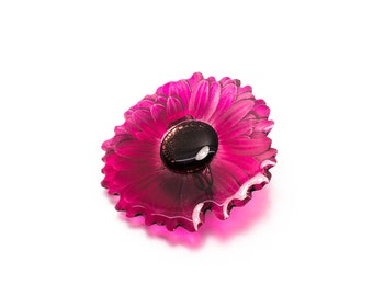 Gerbera brooch. Comes in a gift box.
