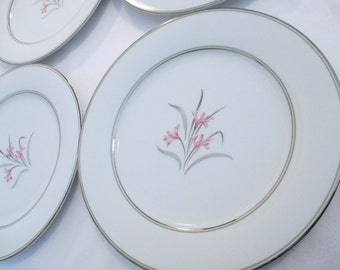 Vintage Noritake China Kent 5422 Dinner Plates - Set of 4