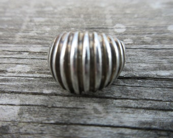Sterling Silver Dome Ribbed Ring sz 6