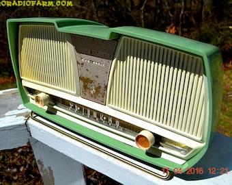 SAGE GREEN Wonder Mid Century Retro Antique 1959 Rogers Majestic AM Vacuum Tube Radio Totally Restored!