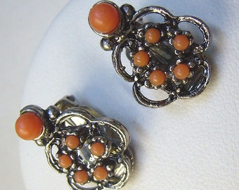 Vintage Coral Clip Earrings....Polished Faux Coral Stones...Antique Silver Metal...Small Clip Earrings