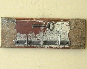 Wall Key Holder with Real Skeleton Key - Key Ring Rack, Key Organizer