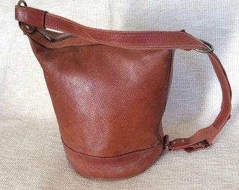 SUMMER SALE Genuine vintage tan pebble leather shoulder bag purse