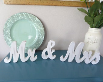 MR and MRS Wedding Signs for Sweetheart Table Decor Wooden Letters Wood Mr & Mrs Sign Set Wedding Centerpiece Home