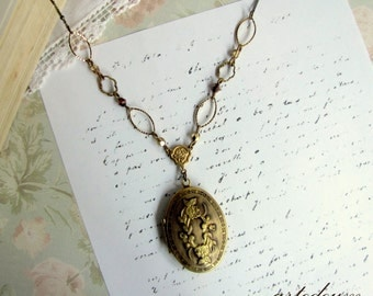 Antique Locket necklace Gold Oval Antique bronze locket vintage Floral Patterns Carved locket Whimsical Two pictures family bronze chain