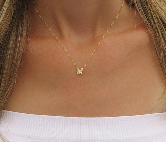 Tiny gold initial necklace gold letter necklace gold initial te gusta este artculo aloadofball Choice Image