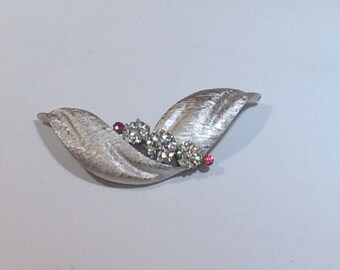Trifari Brooch Clear with Pink Stones