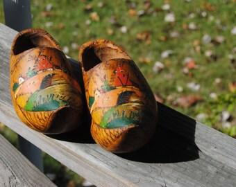 Vintage Wood Shoes/Decorative Wooden Shoes