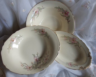 Vintage 1940s // Crown Potteries Bowl// Pattern CRP15 // Pink Flowers, Gray Leaves, Gold Trim