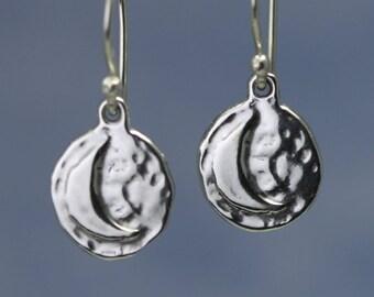 Sterling Silver Moon Earrings – Tiny Earrings – Sterling Silver Moon Jewelry – Silver Crescent Moon Earrings – Tiny Sterling Moon Earrings