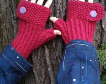 Fingerless gloves/ butonned fingerless gloves