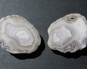 Calandria Agate Matched Pair  (40X30X25)