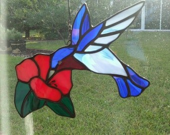 Stained Glass*Hummingbird on Flower,For the Porch,Suncatcher,For the Gardener,Mother's Day Gift,Friend Gift,Bird Ornament,Garden Decor