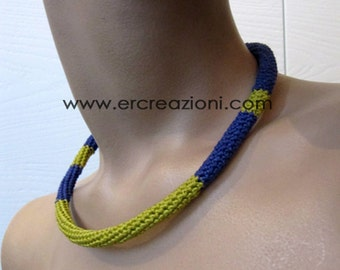 Choker necklace in purple and yellow