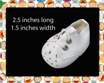 Vintage 2.5 inch x 1.5 inch White Vinyl Leatherette Tie Doll Shoes