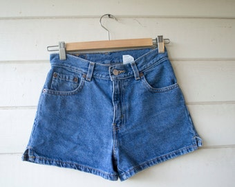 Vintage Levi's High Waisted Short Shorts Women's Small