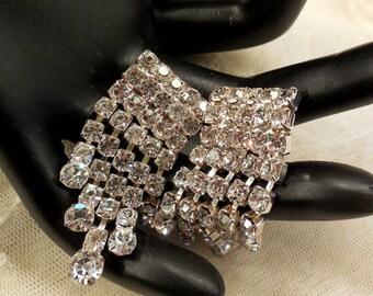 Vintage SPARKLING Rhinestone Dangling Earrings