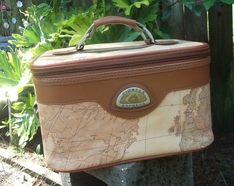 Map Train Case