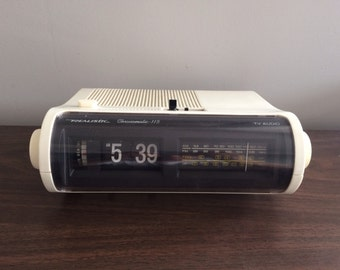 Realistic Chronomatic 115 Flip Clock Radio