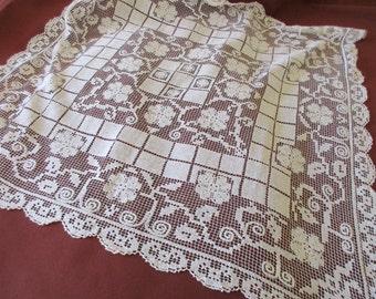 Vintage Filet Lace Table Cloth