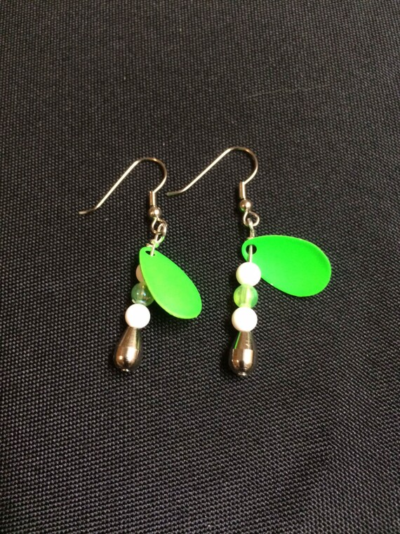 Solid Indiana Spinner Dangle Earrings