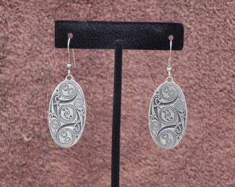 Vintage Jewelry Celtic Swirl, Celtic Knots, Celtic Knotwork, Book of Kells, St Justin Pewter Earrings, one pair