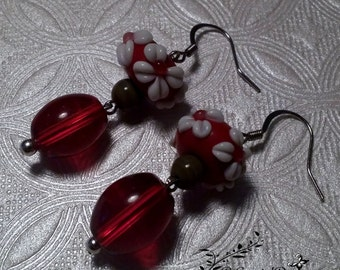 Red and White Flower Earrings No. 720