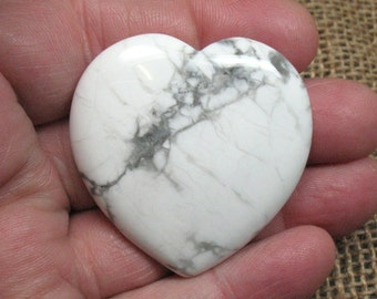 Howlite Flat Heart, 45 mm - Item 73007