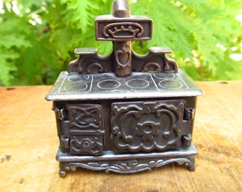 Vintage Hollie Hobbie Stove - Old Fashioned Collectors Miniature - Durham Industries