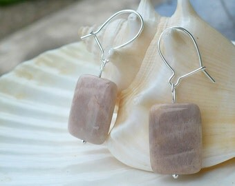 Moonstone earings with sterling silver