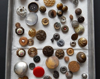 72 Metal + Plastic Vintage Buttons Sewing Crafting